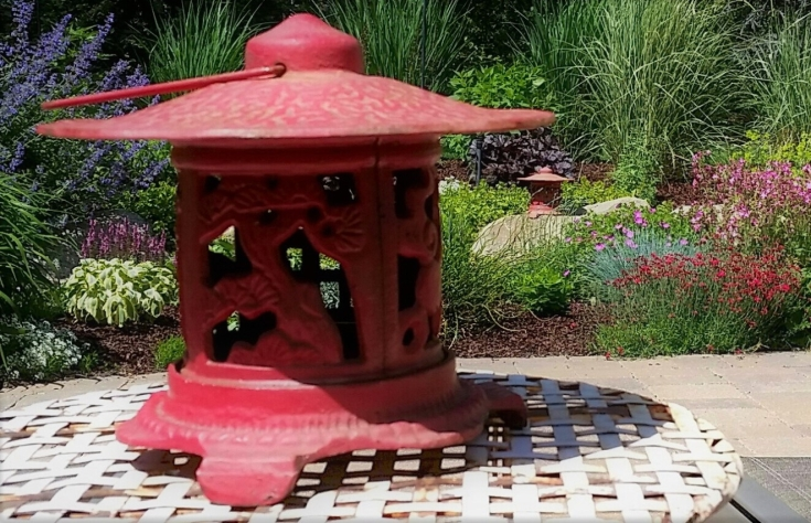 zen, garden, patio, backyard oasis, landscaping, diy, lantern, eroseco