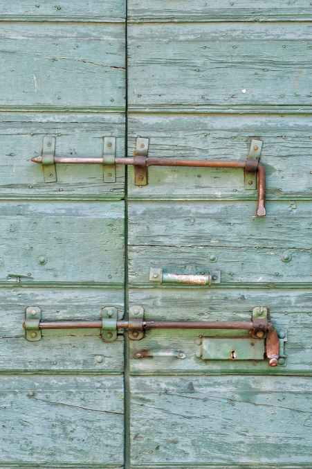 green rust rusty rusted barn door bolts hardware locked #eroseco #erosecovintage