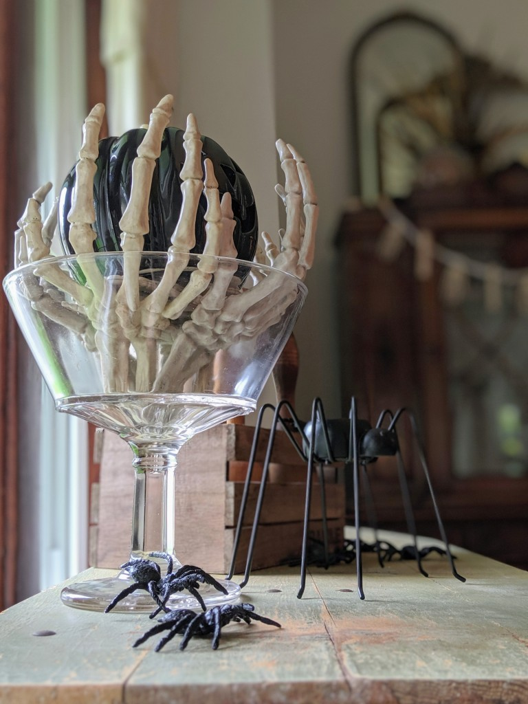 diydecor eroseco skeleton mirror halloween diy home spider hands
