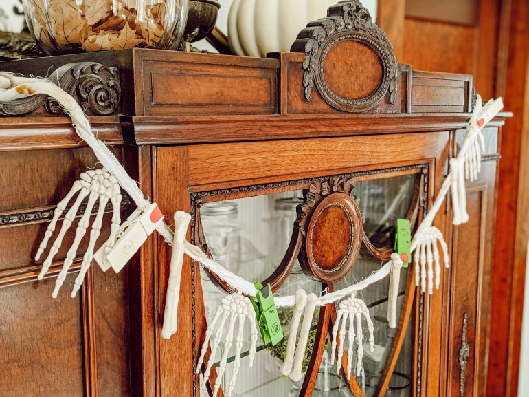 diy, garland, clothespins, fingers, bones, skeleton, monster, zombie, farmhouse, decor, halloween